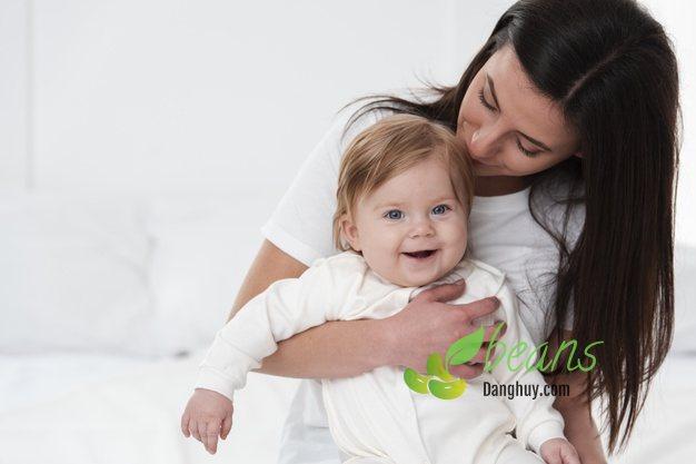 Dinh dưỡng cho mẹ sau sinh như thế nào là đủ chất?