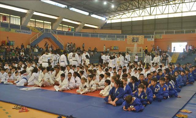 ARJU e Escolinha Municipal conquistam medalhas em Torneio Aberto de Judô