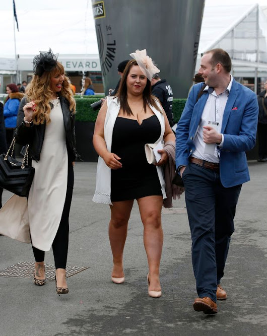 1to1only: Aintree Ladies Day 2016 - Whoops Ladies! And What accidentally flashed Oops