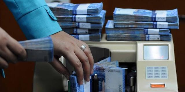 Rupiah dibuka menguat tipis di level Rp 15.193 per USD