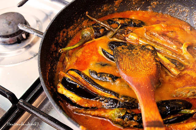 how to cook Masala Baingan recipe and preparation / Eggplants in a spicy Curry recipe and preparation with step by step pictures