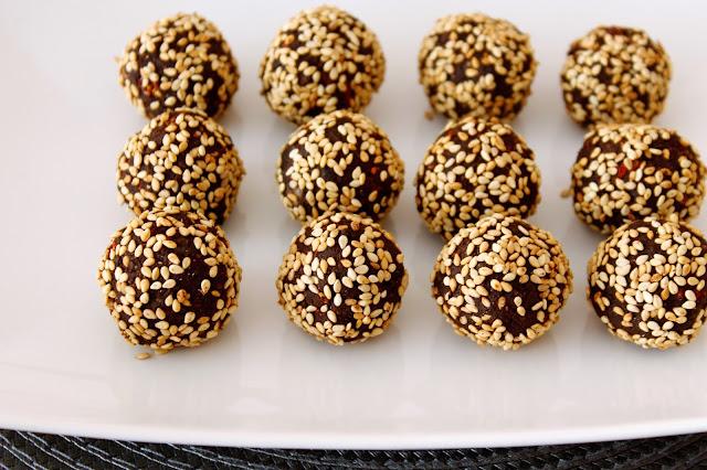 Receta Trufas de chocolate saludables del blog Recomiendo by Pola & Cleme