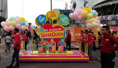 Parade CFD tahun 2020 yang digagas oleh Ceres Indonesia dalam memperkenalkan kemasan khusus cokelat SilverQueen