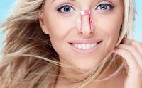 Come modificare la forma del proprio naso a casa