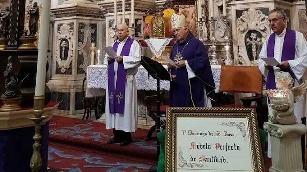 El obispo de Cádiz pide a los sacerdotes que donen parte de su sueldo a Cáritas