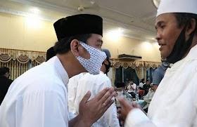 Jelang Pilkada Gibran Jadi Imam Shalat, Politisi Demokrat Ini Minta Imam Masjid Sabar