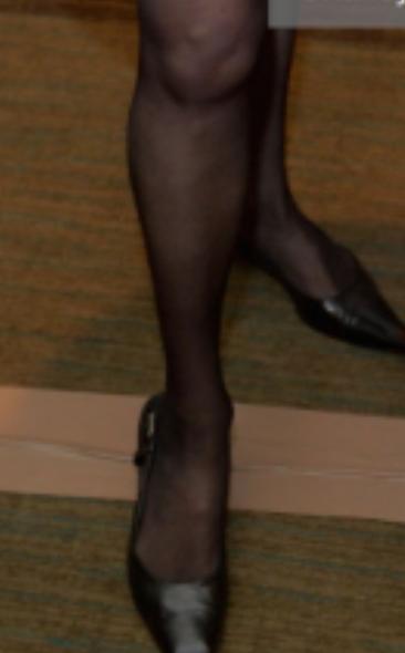glam-girls: Catherine Zeta Jones Wearing Sexy Pink Dress
