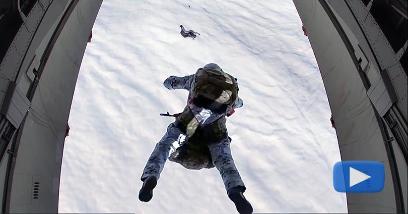 Ρώσοι-κομάντο-πέφτουν-από-τα-10000-μέτρα-στην-Αρκτική