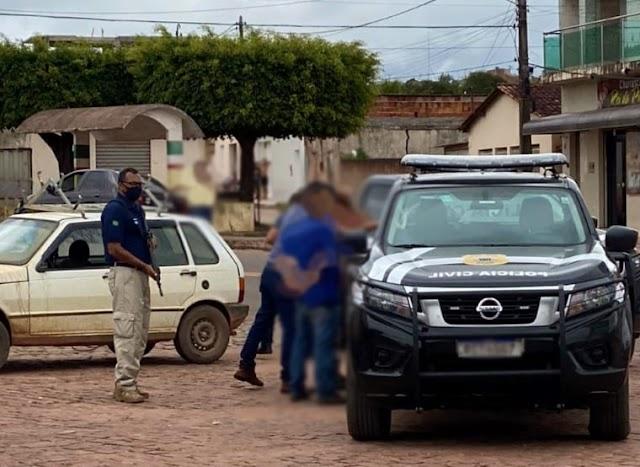 Quadrilha suspeita de roubar caminhão é presa em Barra da Estiva