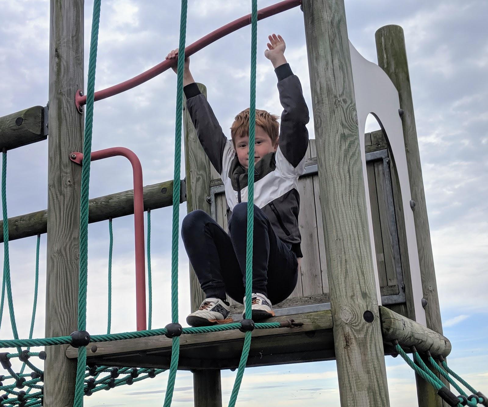 Fontburn Reservoir | Family Walk & Play Park  - climbing ropes