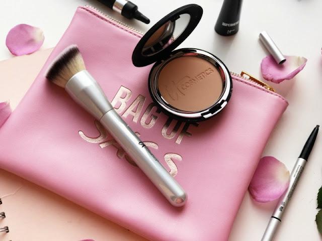 IT Cosmetics Angled Buffing Foundation Brush
