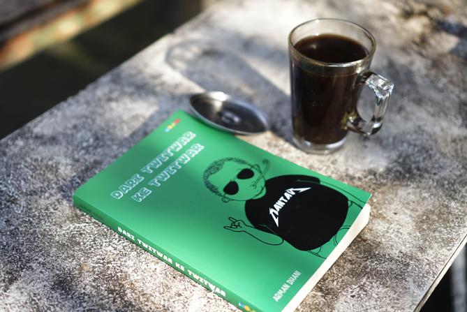 Buku Dari Twitwar ke Twitwar Karya Arman Dhani
