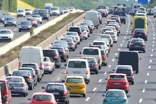 El Gobierno propone prohibir la venta de todo coche nuevo que emita CO2 desde 2040