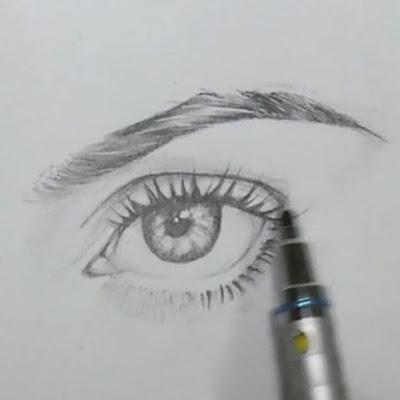 أرسم بالرصاص: طريقة رسم الحواجب خطوة بخطوة