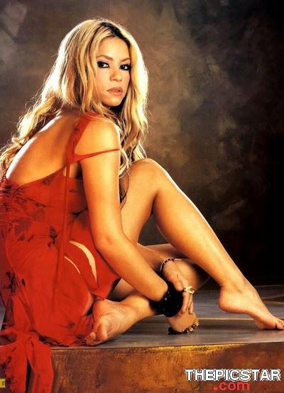 صور، إغراء، المغنية، شاكيرا، Shakira، ساخنة، عارية، مثيرة، أرداف، أقدام، سيقان