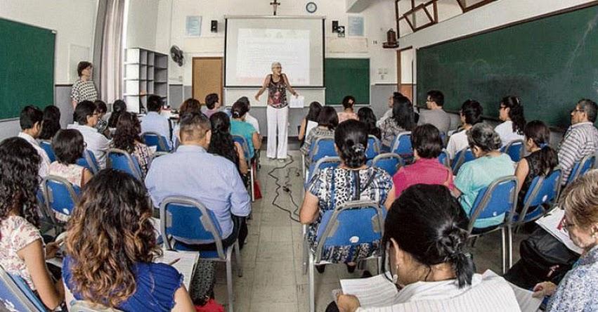 Congreso aprueba ley que evita despidos de docentes «jalados» de institutos públicos
