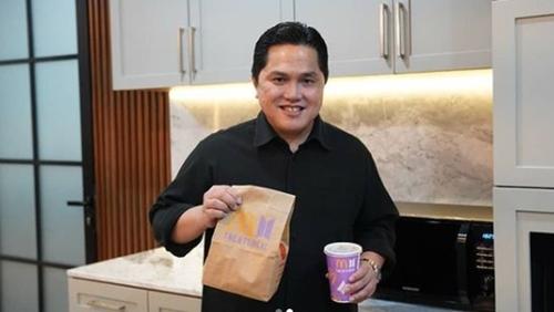 Ikut Berburu BTS Meal, Erick Thohir: Alhamdulillah Dapat