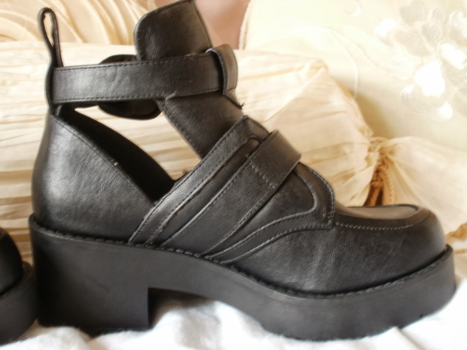 ae9d7ec4a16ef Porcelain Eleanor  Shoes on a Shoestring  4 Chunky Cut-out Grunge Boots