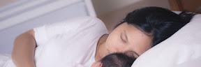 3 Posisi Tidur Setelah Melahirkan yang Aman dan Nyaman