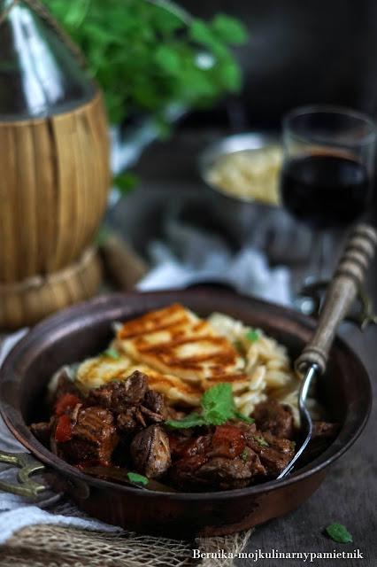 gulasz, wolowina,obiad,wegr, orzo, makaron, hollumi, bernika, kulinarny pamietnik