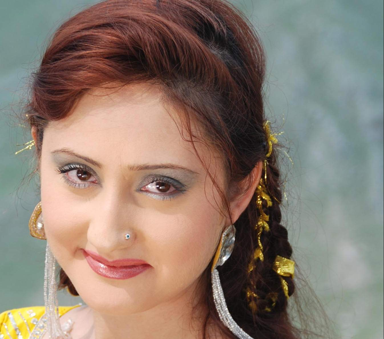 Sumbal Khan Pashto actress beauty