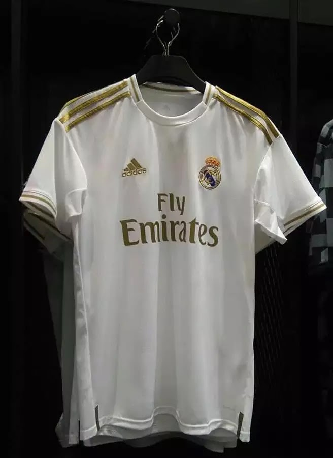 1aaa2f15f The kit features a design which is aligned with kit maker adidas  modern  template