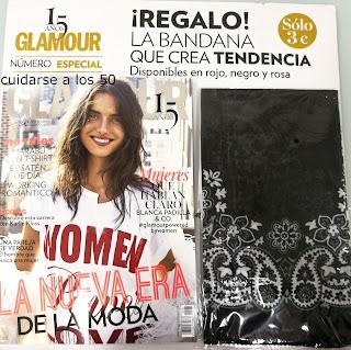 Revista glamour con el regalo de la bandana