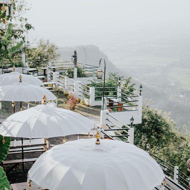 Lesung Cafe and Resto Candi Ijo Yogyakarta