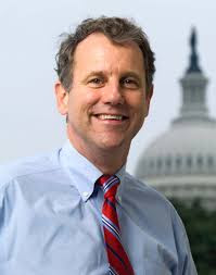 Sherrod Brown Height, Age, Wife, Biography, Wiki, Net Worth