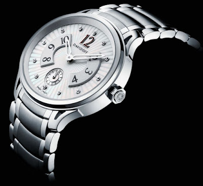 Davidoff Very Zino Lady, Ref. No. 10015: white Mother of Pearl dial Guilloche set with 12 diamonds, stainless steel bracelet, stainless steel buckle