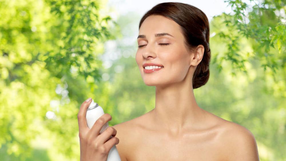 Le acque spray o facial spray non solo idratazione