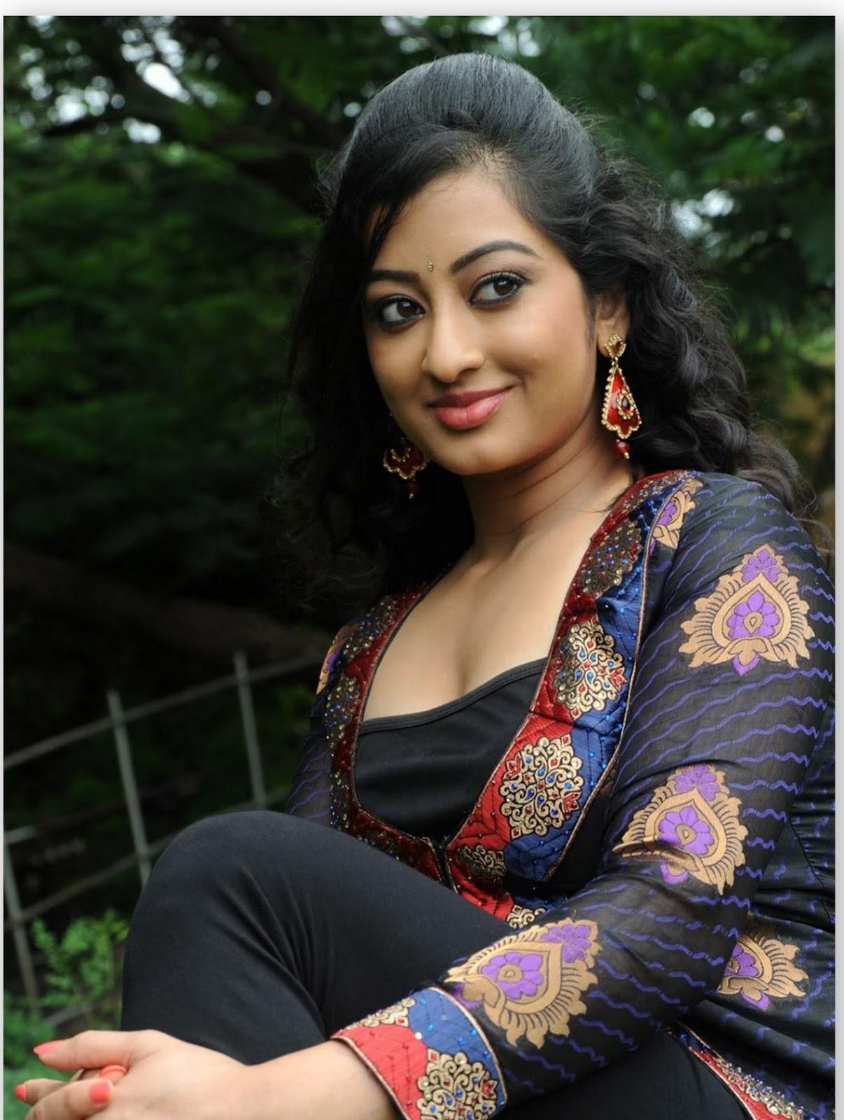 Looking Bhabhi gand hindi in sex story hard right