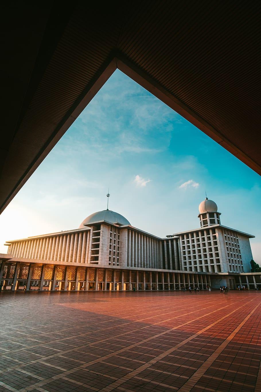 masjid istiqlal arti dan maknanya