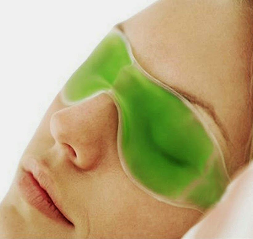 Ice pack to get relief in Pink Eye Conjunctivitis