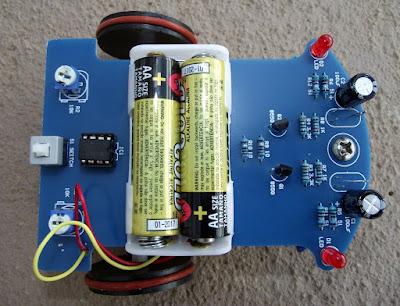 kit de robô seguidor de linha placa por cima