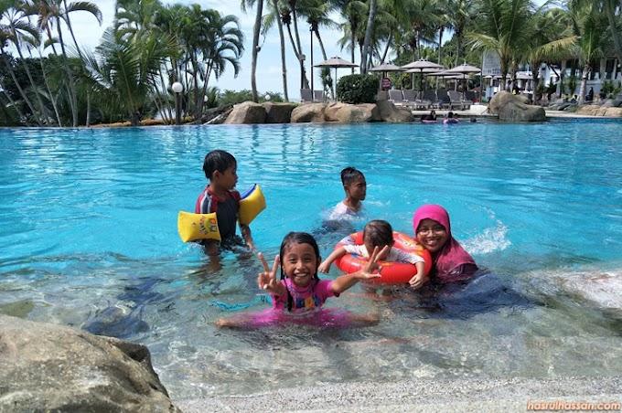Percutian Seronok di Taman Air Mini Swiss-Garden Golf Resort & Spa, Damai Laut