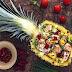 Salada de frango no abacaxi