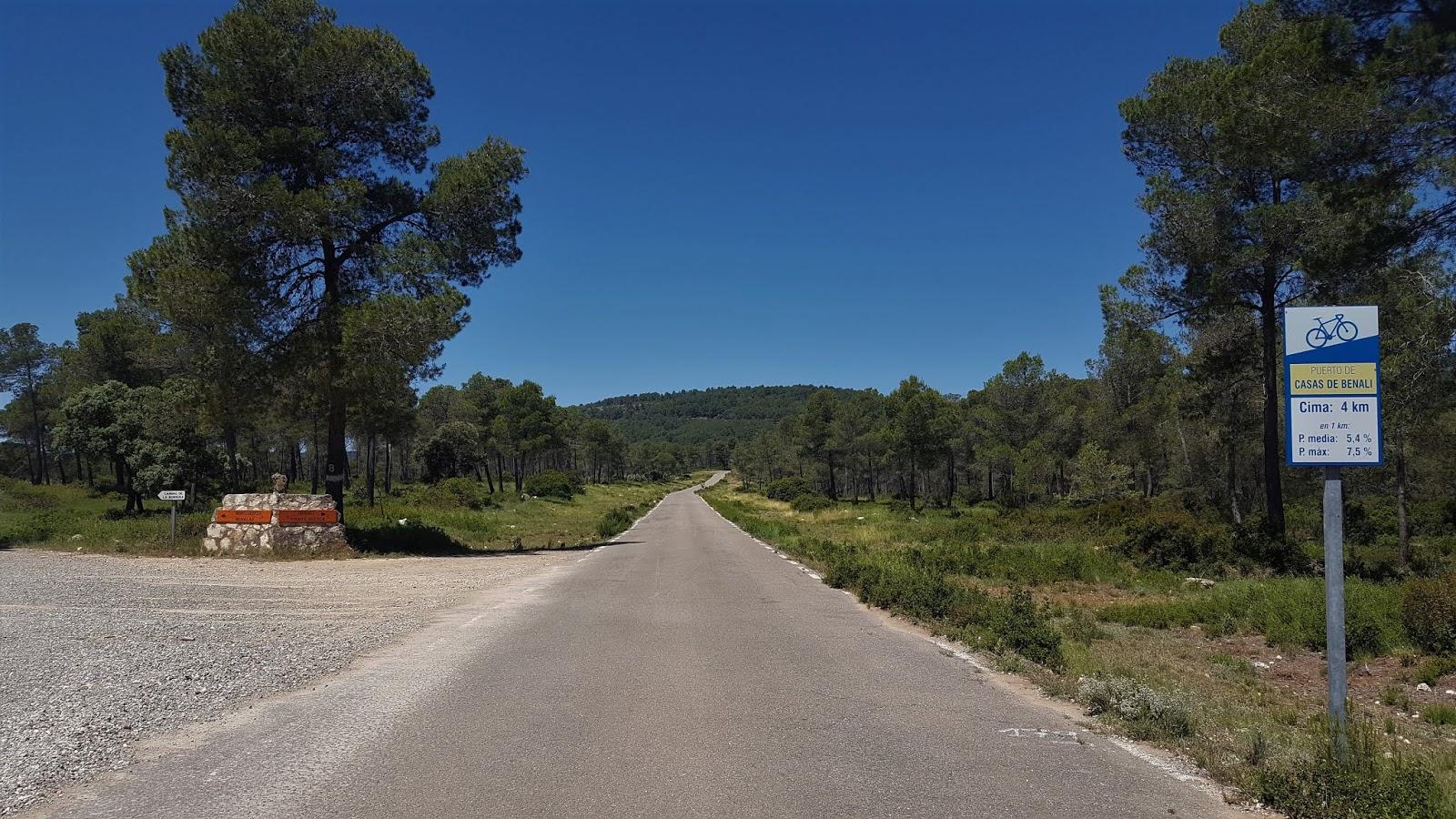 4 kilometre to go marker, Casas de Benalí, Spain