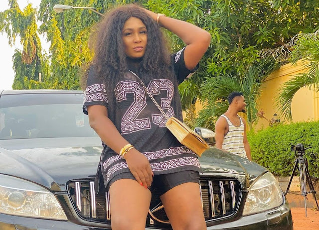 Just In: Nollywood Actress Ruth Eze Loses Dad