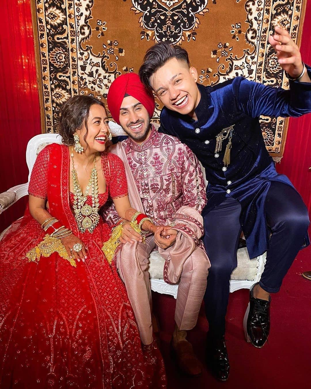 Famous Indian Singer Neha Kakkar tied the knot with Singer Rohan Preet
