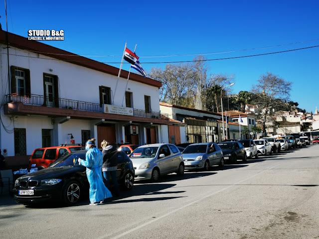 Ναύπλιο: Στην ουρά για rapid test από την ΚΟΜΥ Αργολίδας