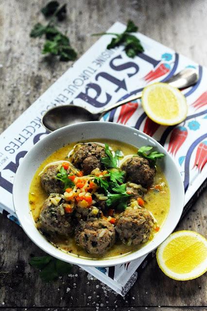 Direction Istanbul ! Et une soupe aux boulettes de viande diablement parfumée !