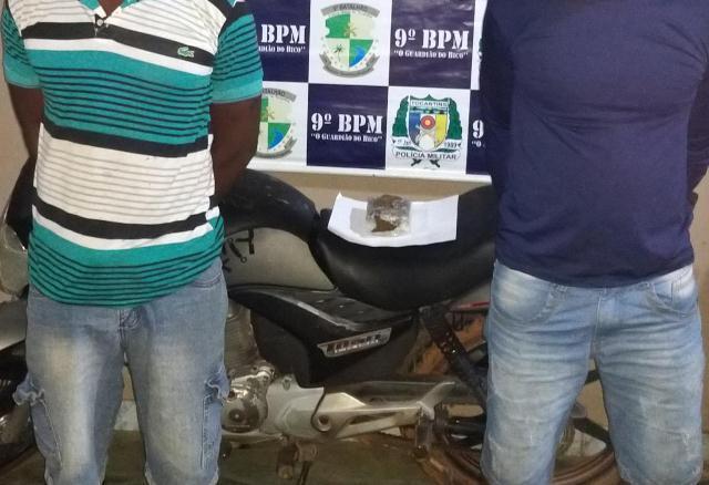 PM prende dois homens acusados de tráfico de drogas em Araguatins