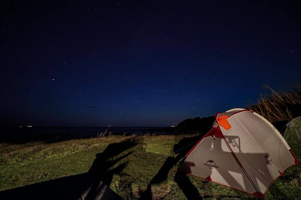 海キャンプ、夜空には星がたくさん