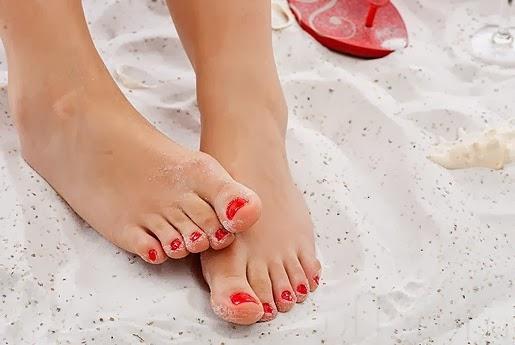 manicura pies roja
