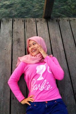 Mendadak Selfie di Tanjung Lesung - Kota Cilegon Bersama Ulfa Affisa cewek manis Baju kaos ketat