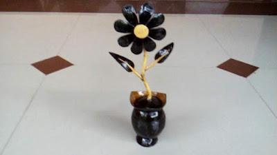 Bunga dari batok kelapa