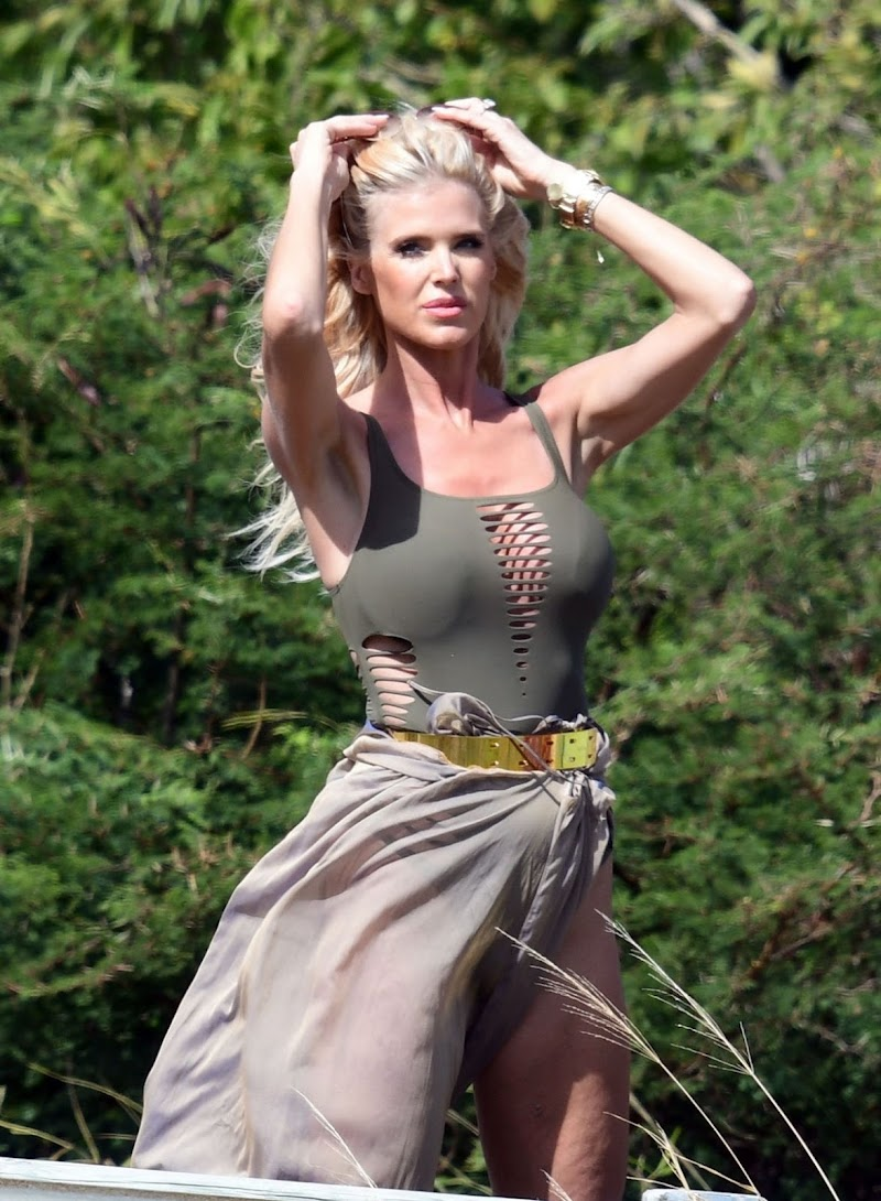 Victoria Silvstedt Clicks at a Photoshoot in St Barts 5 Jan -2021