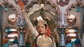 madhubala in Song 'Pyar kiya to darna kya' from 'Mughal e azam'