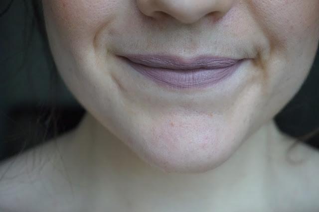 favorite_fall_winter_lipsticks_rouge_à_lèvres_selection_revue_avis_swatches_automne_hiver_lime_crime_cashmere_01